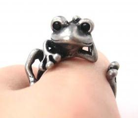 Realistic Frog Animal Wrap Around Hug Ring in Silver - Size 4 to 9 Available