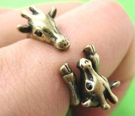 Adjustable Mom and Baby Giraffe Animal Hug Wrap Ring in Brass