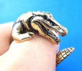 Large 3D Crocodile Animal Wrap Around Hug Ring in SHINY Gold Sizes 4 to 9