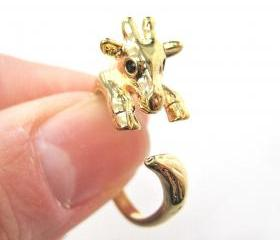 Baby Giraffe Animal Wrap Around Hug Ring in SHINY Gold - Sizes 4 to 9