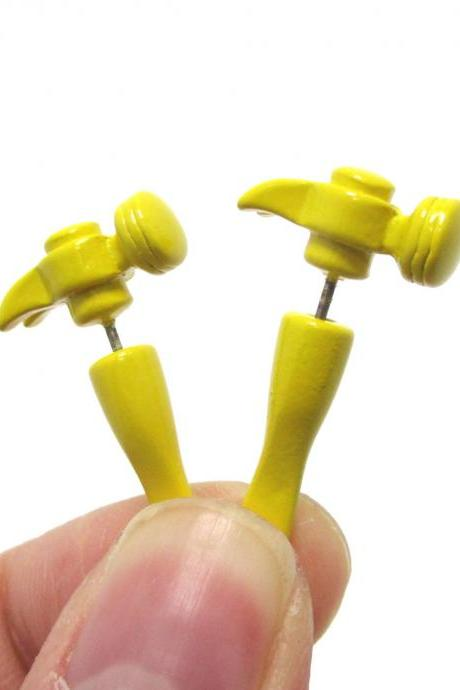 3D Fake Gauge Realistic Hammer Tool Stud Earrings in Yellow for Men and Women