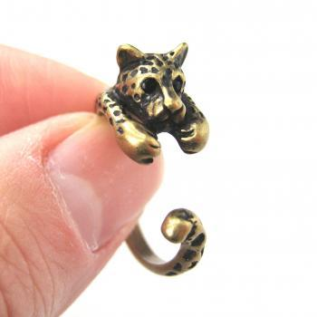Realistic Leopard Cat Animal Wrap Around Hug Ring in Brass - Sizes 4 to 9